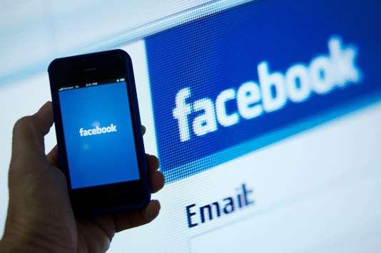 L'application Facebook sur iPhone.