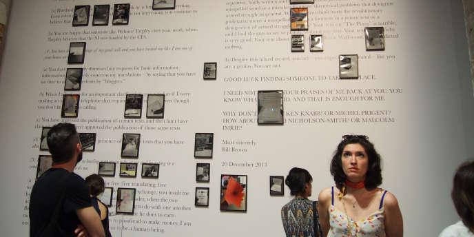 L'installation de l'artiste originaire du Malawi, Samson Kambalu, à la Biennale de Venise.