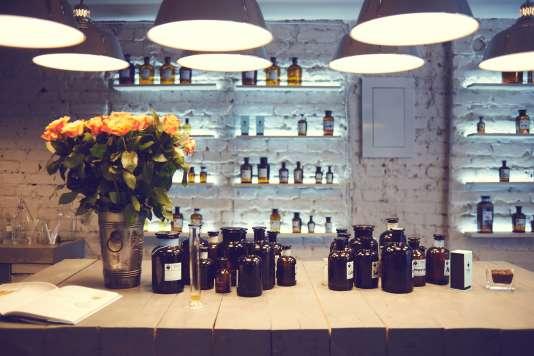 L'intérieur de la boutique Mo61 qui conçoit des parfums personnalisés.