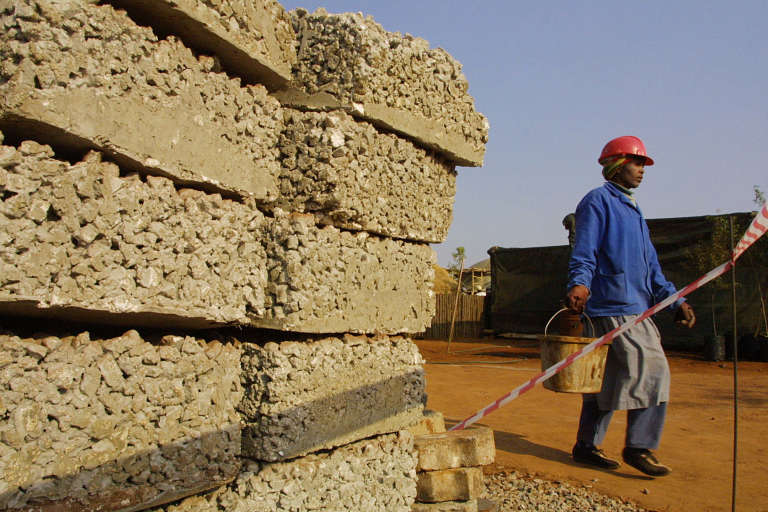 La croissance africaine attire sur le continent des géants de l'or gris tels que le Français Lafarge ou l'Allemand Heidelberg Cement.