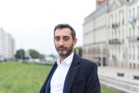 Edouard Gassin, directeur d'une agence de communication, 38ans, est un Nantais déçu. Partisan de la fusion des Pays de la Loire avec la Bretagne, qui aurait permis, selon lui, de dessiner un «puissant territoire Grand Ouest d'ambition européenne», il reste fier malgré tout de sa région et ira voter.