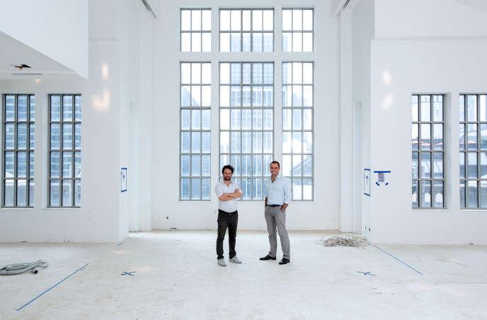 Julien Lombrail et Loïc Le Gaillard, les fondateurs de Carpenters Workshop, dans leur futuregalerie à New York.