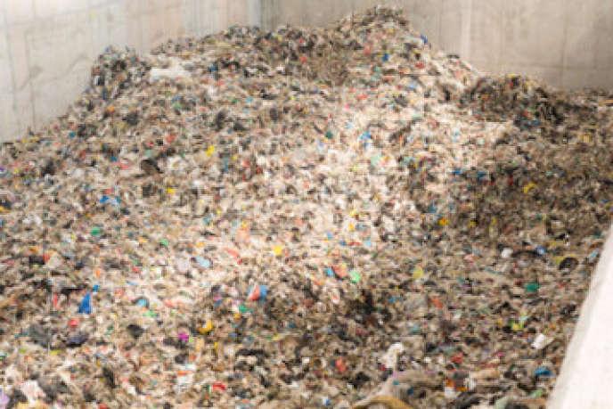 Plusieurs écoles ou universités proposent désormais des cursus consacrés à l'environnement et au traitement des déchets.
