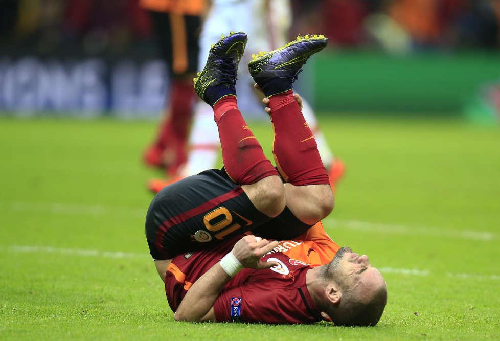 Renversant. Wesley Sneijder et Galatasaray ont disposé du Benfica (2-1), qui avait pourtant ouvert le score dès la deuxième minute.