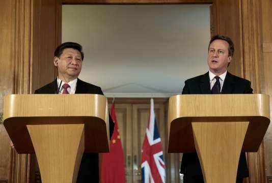 Le président chinois, Xi Jinping, et le premier ministre britannique, David Cameron, en conférence de presse au 10 Downing Street, le 21 octobre.