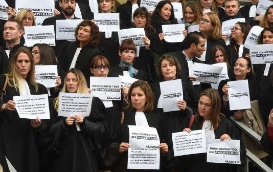 Malgré les concessions du gouvernement sur la réforme de l'aide juridictionnelle, le mouvement continuera au moins jusqu'au 28octobre.