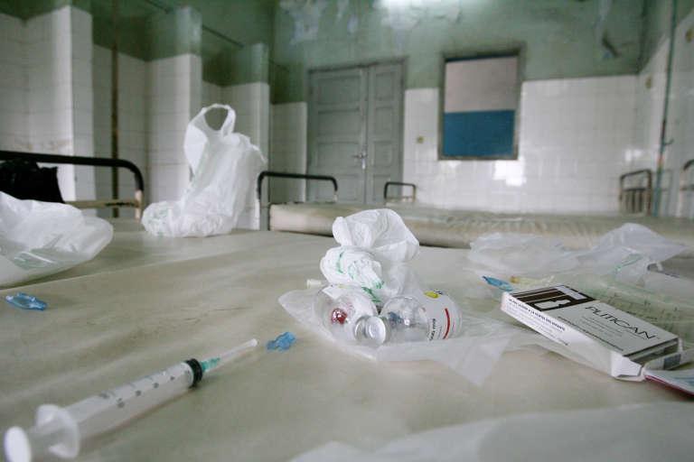 Avec un infirmier pour 2 500 habitants, la Côte d'Ivoire est incapable de fournir les soins de base à sa population.
