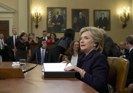 L'ancienne secrétaire d'Etat Hillary Clinton, entendue jeudi 22octobre par la commission spéciale mise en place par la majorité républicaine à la Chambre des représentants pour enquêter sur les attentats de Benghazi, en Libye, en 2012 .