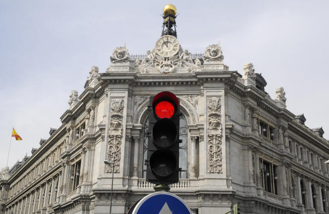 Devant le siège de la Banque d'Espagne, à Madrid.