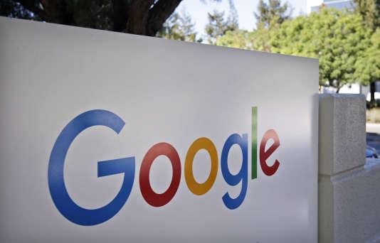 Le logo de Google, au siège de l'entreprise.
