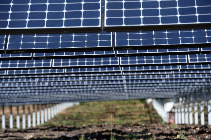 «Le rendement des panneaux photovoltaïques, ratio entre l'énergie solaire reçue et l'énergie électrique produite,augmente en valeur absolue de 0,3 à 0,4 % par an en moyenne, indique Philippe Malbranche, directeur général de l'INES» (Photo: Gros-Chastang).