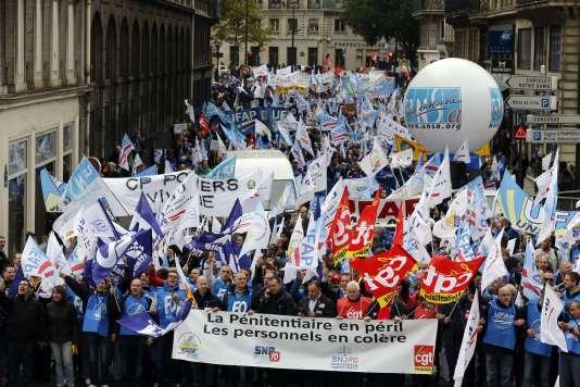 Manifestation des personnels pénitentiaires, jeudi 22 octobre, à Paris.