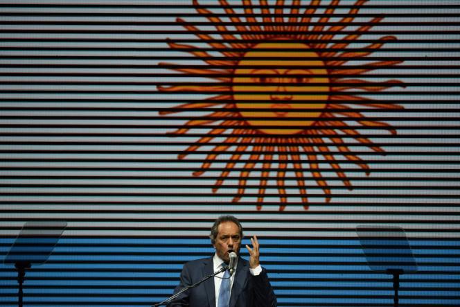 Daniel Scioli a été désigné comme candidat pour lui succéder par Cristina Kirchner malgré une méfiance réciproque.