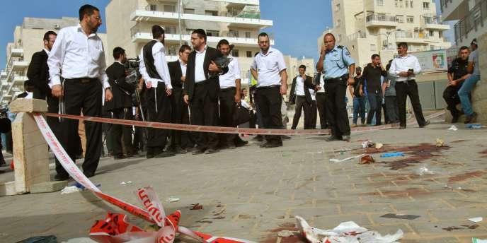 La police a tiré sur deux Palestiniens qui essayé de monter dans un bus après une agression au couteau contre un Israélien de 25 ans jeudi 22 octobre à Beit Shemesh, une ville à l'ouest de Jérusalem.