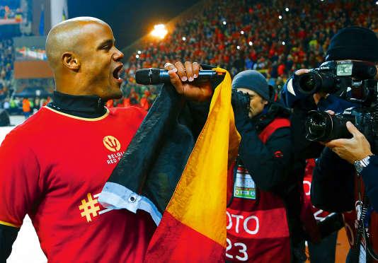 En remportant la victoire contre Israël, le 13 octobre, à Bruxelles, les Diables rouges se sont qualifiés pour l'Euro 2016. Vincent Kompany, leur capitaine, en a profité pour célébrer cette drôle de première place au classement FIFA.