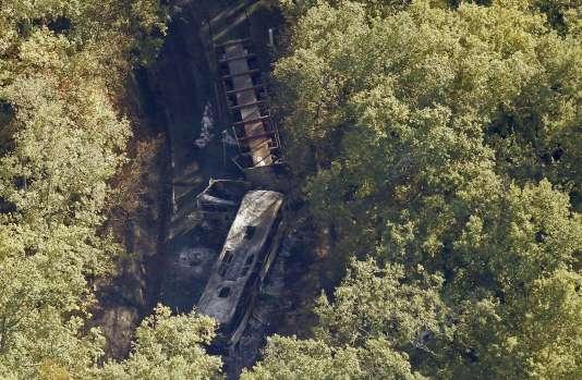 La collision entre un car et un camion, à Puisseguin, vendredi 23 octobre, a fait au moins 43 morts.