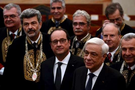 Le président de la République à l'université d'Athènes, lors de sa visite officielle le 23 octobre 2015.
