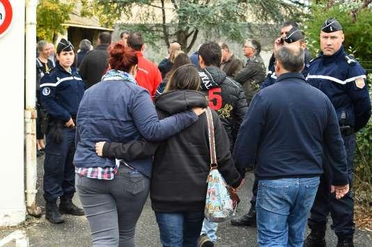 Dans le village de Petit-Palais-et-Cornemps, les familles ont appris vendredi la mort de leurs proches.