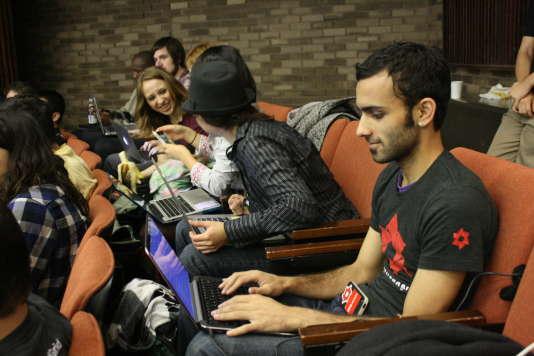 La nouvelle plateforme sup-numerique.gouv.fr regroupe plus de 30 000 ressources pédagogiques pour se former ou enseigner avec le numérique.