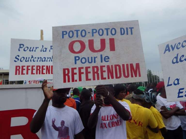 Un rassemblement de partisans de Denis Sassou Nguesso à Brazzaville le 10 octobre 2015.