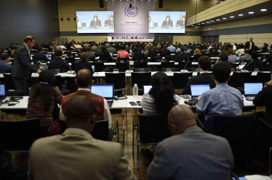 Les délégués lors d'une réunion préparatoire à Bonn, en Allemagne, le 1er juin 2015.