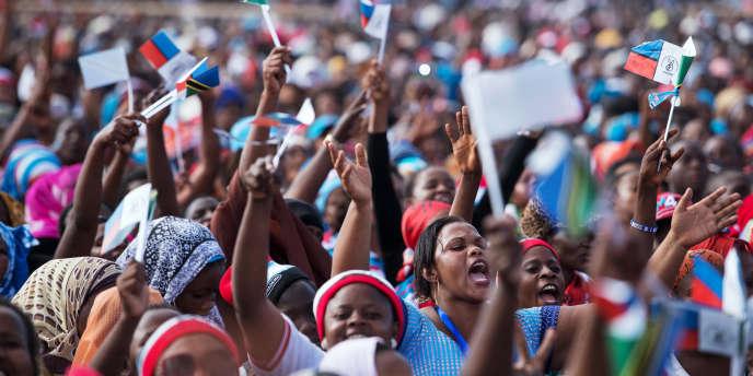 Des sympathisants de l'opposition lors d'un meeting à Dar-es-Salaam, août 2015.
