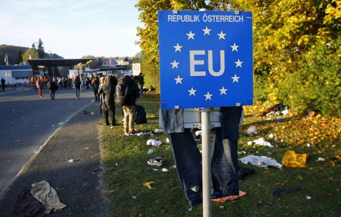 Le candidat des Verts à la présidence, Alexander Van der Bellen, agite la menace d'une sortie de l'Union européenne en cas de victoire de son rival.