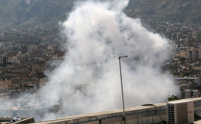 Bombardements sur la ville de Taiz, au Yémen, le 25 octobre.