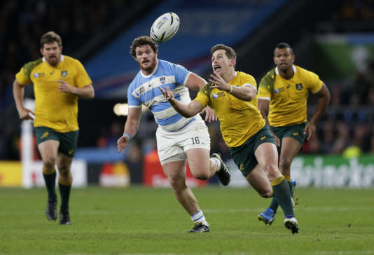 Bernard Foley guide les Australiens contre l'Argentine, le 25 octobre.