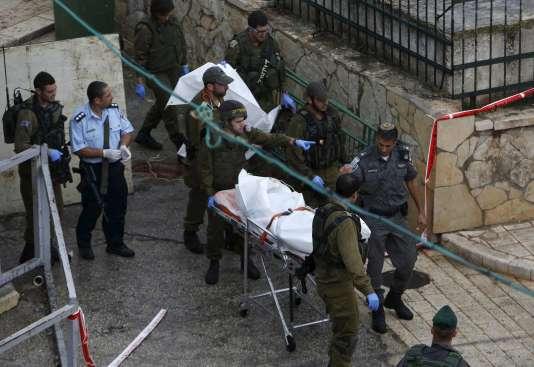 Une Palestinienne a été tuée par balle près du tombeau des Patriarches à Hébron, le  25 octobre.