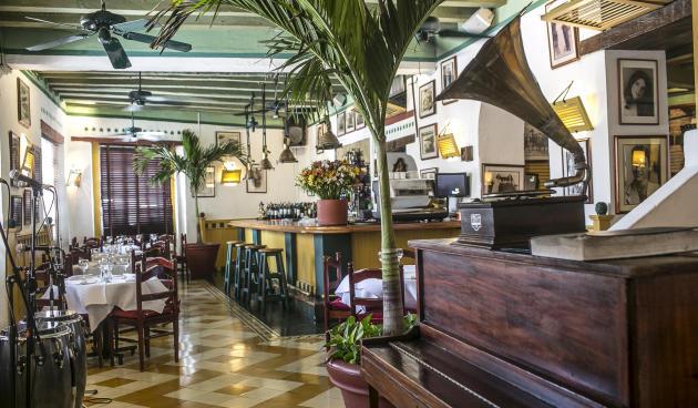 Restaurant La Vitrola.