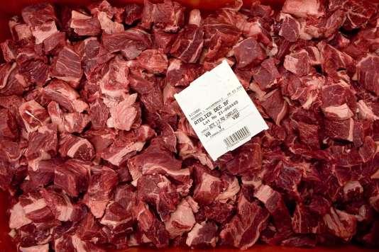 Les régimes riches en viande rouge pourraient être responsables de 50000 décès par cancer par an dans le monde.