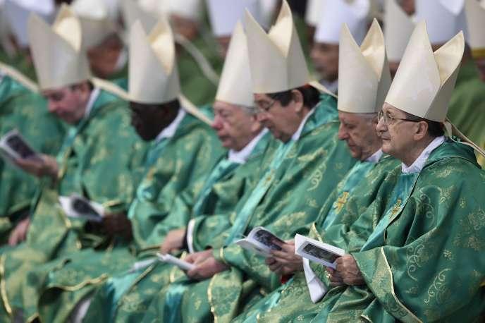 Les cardinaux, le 25 octobre à Rome, avant la messe papale.