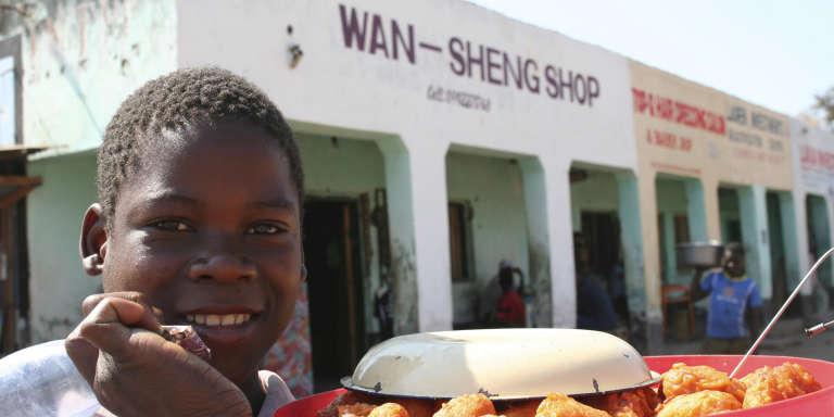 Un magasin chinois dans le centre de Salima, au Malawi.