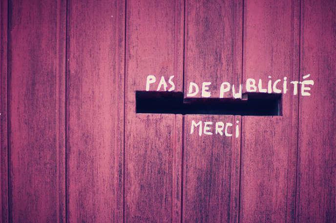 Il y aurait plus de 200 millions d'utilisateurs des logiciels de blocage de publicités dans le monde, la France figurant à l'avant-garde, puisque la proportion d'utilisateurs y représenterait 27 % des internautes.