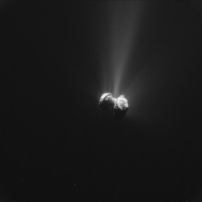 La comète et sa queue prises à 330 kilomètres de distance, le 21 septembre