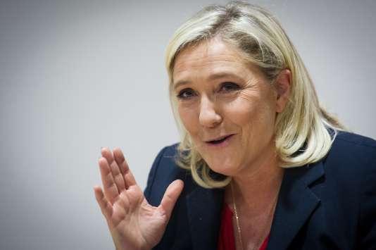La présidente du Front national, lors d'un meeting à Besançon, mercredi 28 octobre.