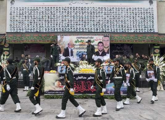 Funérailles de deux Iraniens tués en Syrie, le 28 octobre à Téhéran.