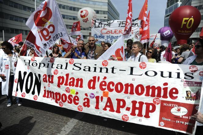 Manifestation d'employés de l'AP-HP à Paris, le 25 juin 2015.