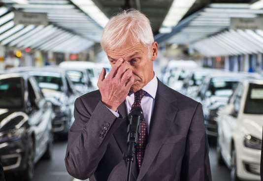 Matthias Müller, le PDG de Volkswagen –ici le 21 octobre–, qui a succédé à Martin Winterkorn, est l'ancien patron de Porsche. Sa probité risque d'être mise à mal.