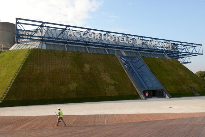 Le nouveau nom de l'ancien Palais omnisports de Paris-Bercy rapportera trois millions d'euros par an.