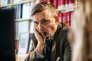 François Sureau, avocat à la Cour de cassation, profite tous les jours de sa pause déjeuner pour écrire dans son bureau.