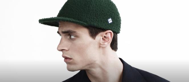 Une casquette de la collection Larose Paris automne-hiver 2015/2016.