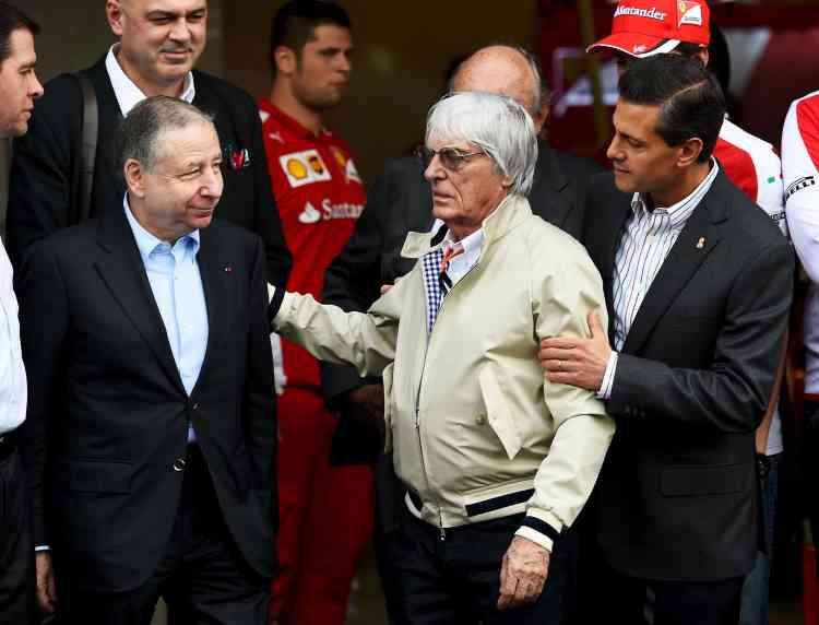 """Grand Prix du Mexique, 29 octobre 2015, avec le président Enrique Peña Nieto et Bernie Ecclestone, président de la Formula One Management. """"Bernie Ecclestone, c'est un génie qui fait que la Formule 1 est la discipline sportive la plus vue après la Coupe du monde de football et les Jeux olympiques d'été. Cela dit, on ne partage pas toujours les mêmes vues. C'est quelqu'un qui s'amuse dans ce qu'il fait et à 85 ans, c'est exceptionnel."""""""