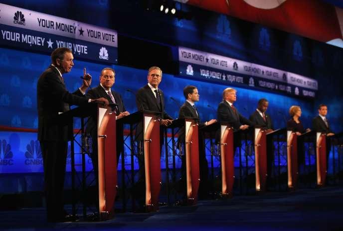 John Kasich, Mike Huckabee, Jeb Bush, Marco Rubio, Donald Trump, Ben Carson, Carly Fiorina et Ted Cruz lors de la deuxième session du troisième débat des candidats à la primaire républicaine, le 28 octobre.