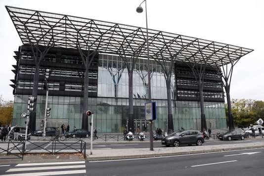 Le tribunal de Melun, où un avocat a grièvement blessé le bâtonnier avant de retourner l'arme contre lui, le 29 octobre.