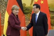 La chancelière allemande, Angela Merkel, et le Premier ministre chinois, Li Keqiang, à Pékin, le 29 octobre 2015.