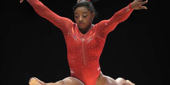 L'Américaine Simone Biles lors des Mondiaux de gymnastique, le 29 octobre.