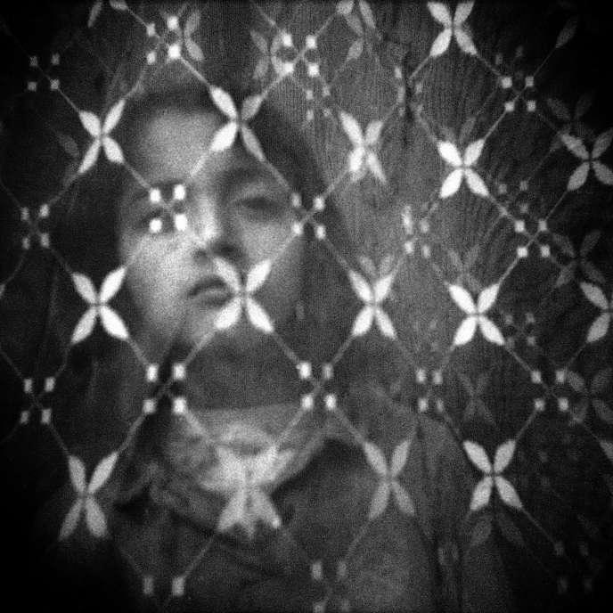Oeuvre de Bruno Boudjelal dans sa série sur les traces de Frantz Fanon