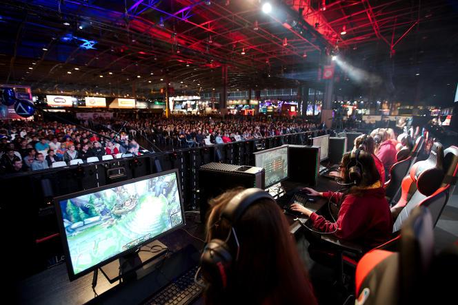 Pendant la coupe du monde féminine de « League of Legends », organisée dans le cadre de l'ESWC (compétition internationale de jeux vidéo).